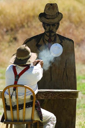 Gunslingers aim to thrill
